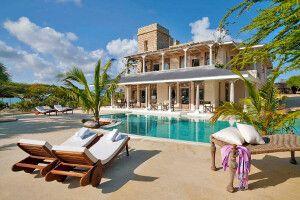 Pool des The Majlis Resort auf Lamu Island