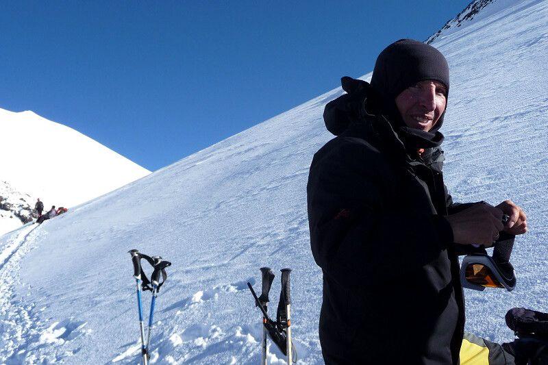 Kurze Pause. Bergführer Igor hat gut zu lachen!