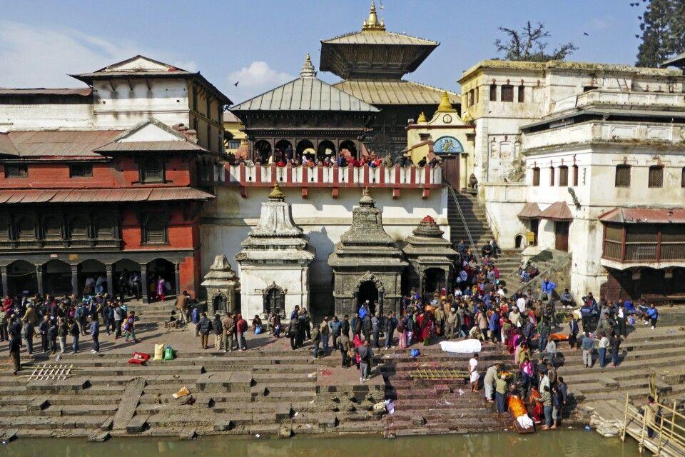 Blick auf den Haupttempel in Pashupatinath