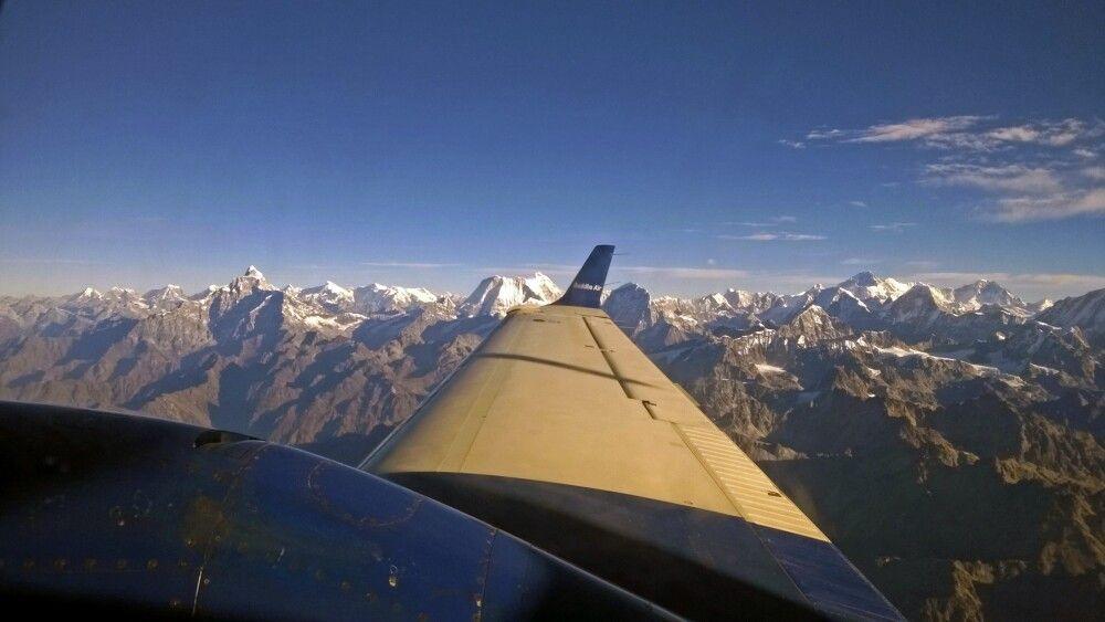 Panoramaflug /Mountain Flight entlang des Himalaya