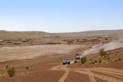 Fahrt mit Jeeps durch die Wüste Karakum