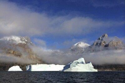 Einer der gigantischen Eisberge im Scoresby-Sund