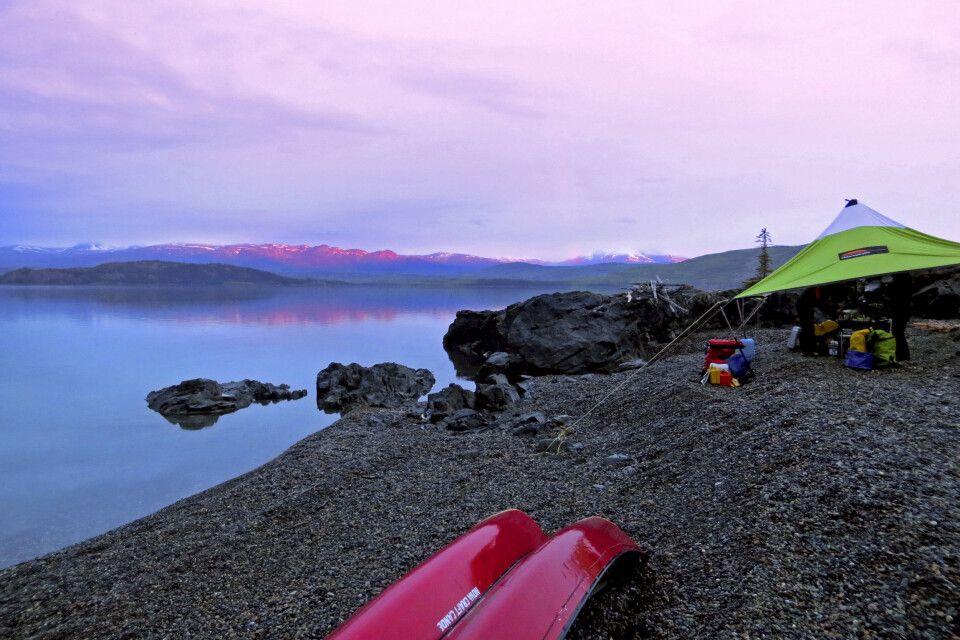 Sonnenaufgang am Lake Laberge