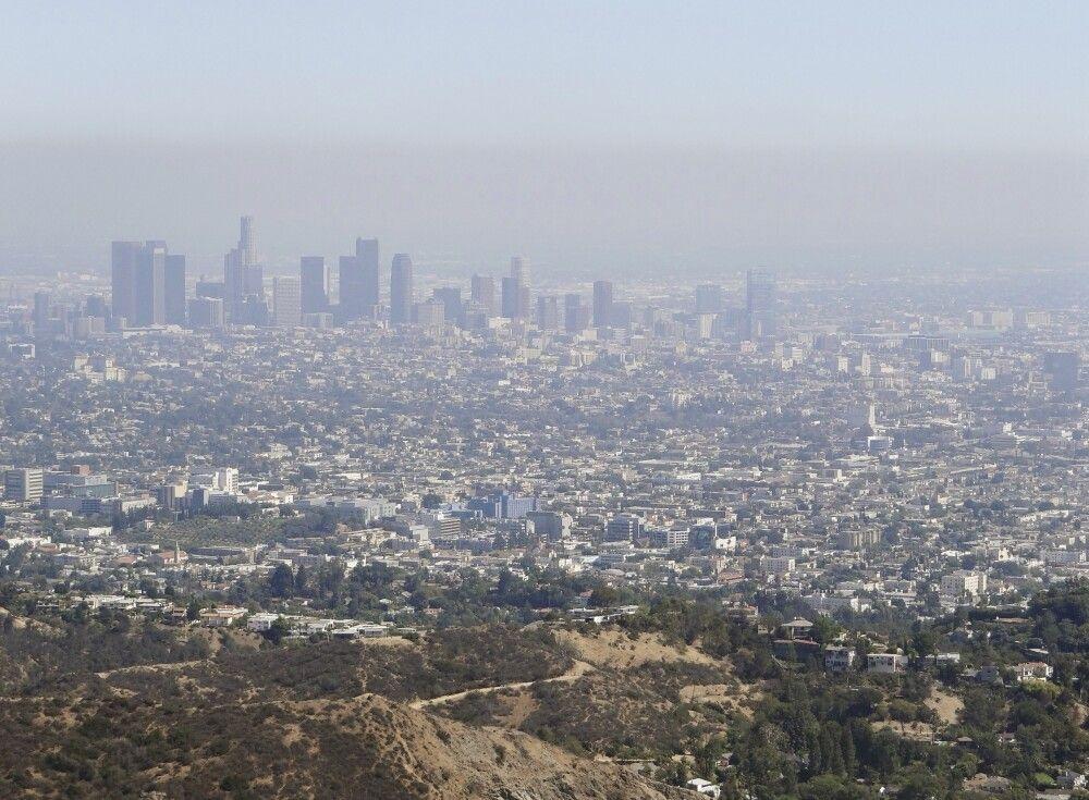 Der Blick auf Downtown aus den Hollywood Hills