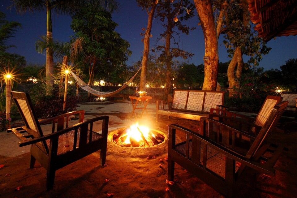 Tuli Tiger Resort Nationalpark Kanha – Lagerfeuer