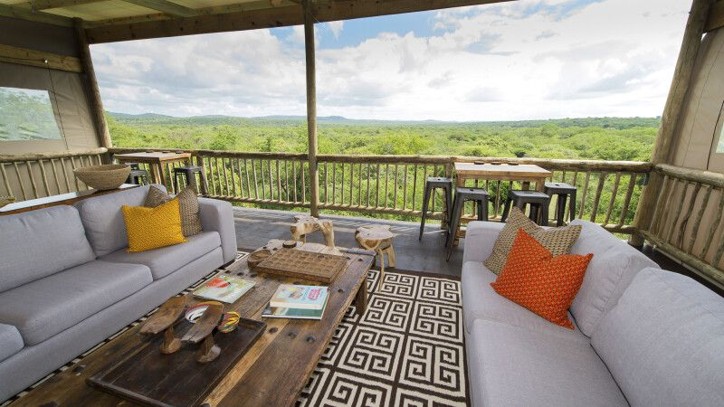 Blick in die Weite von der Zululand Lodge © Diamir