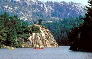 Kanus im Killarney Provincial Park, Ontario