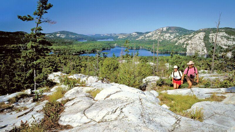 Wanderer im Killarney Provincial Park, Ontario © Diamir