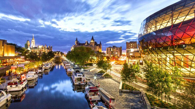Rideau Canal bei Nacht, Ottawa, Ontario © Diamir