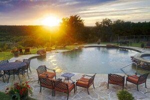 Pool im Abendlicht, Wildcatter Ranch, Graham, Texas