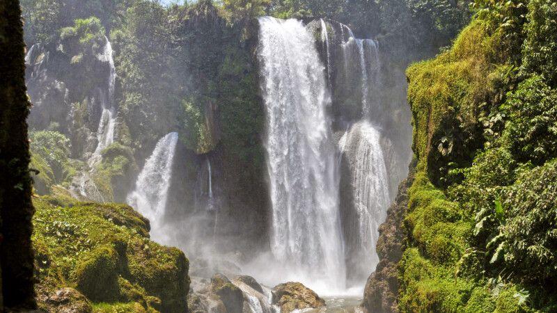 Wasserfall Pulhapanzak, Honduras © Diamir