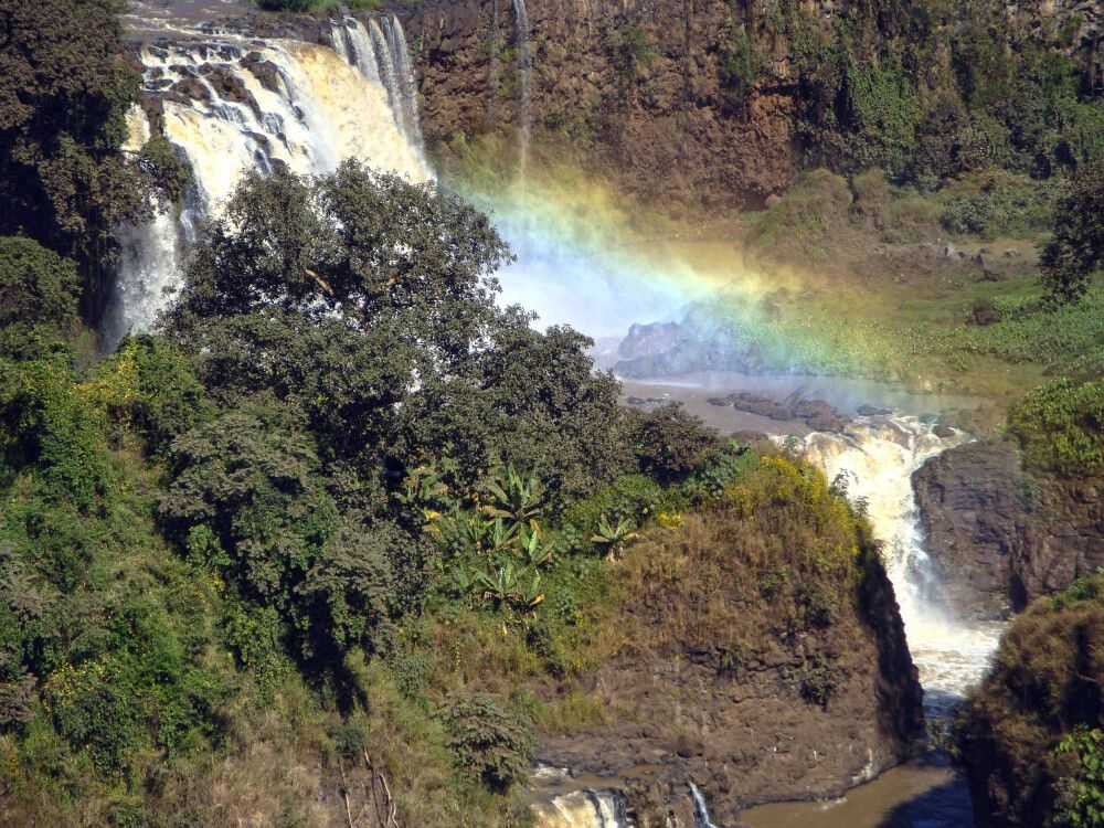 Regenbogen überm Wasserfall