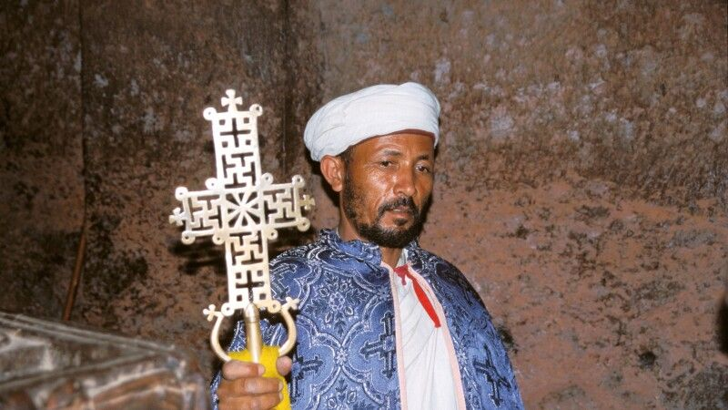 Priester in Lalibela © Diamir