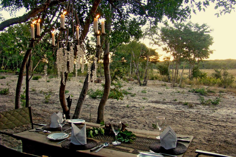 Bush Dinner in der Sable Sands Lodge