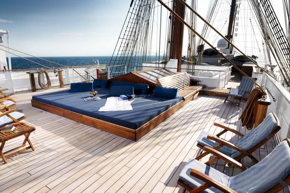 An Deck auf der Sea Cloud II lässt sich herrlich entspannen