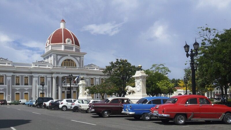 Rathaus Cienfuegos © Diamir
