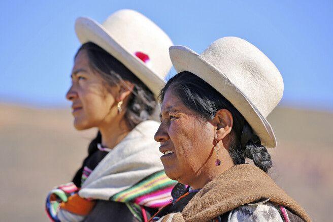 Bolivianische Lamahirtinnen