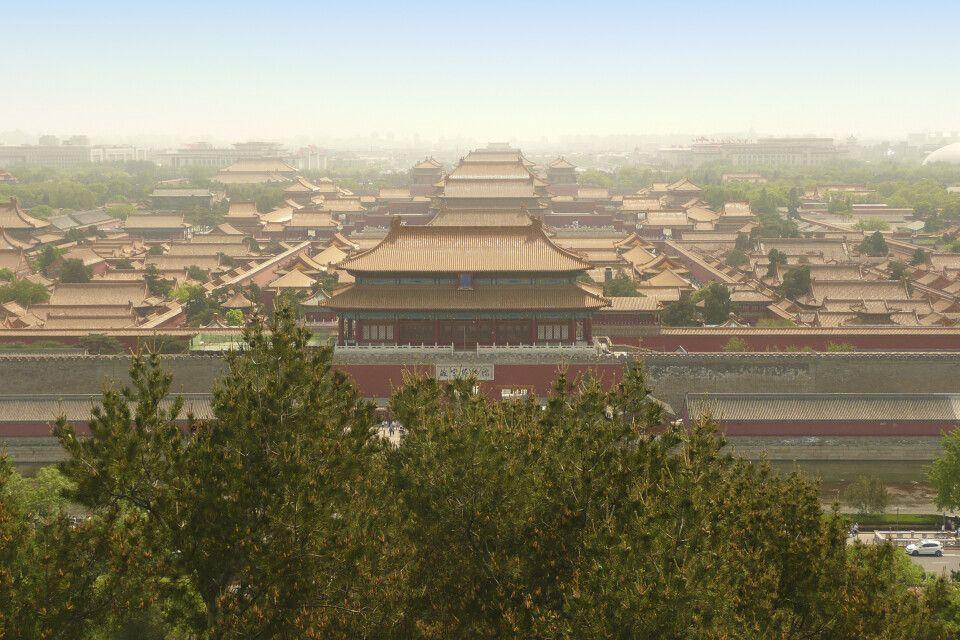 Blick vom Kohlehügel in Peking auf die Verbotene Stadt