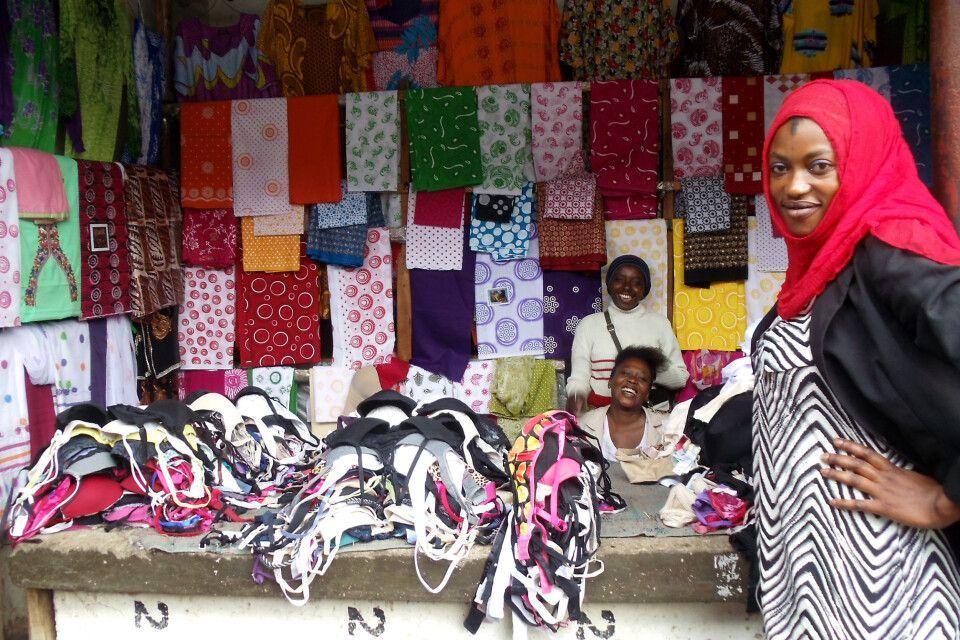 Fröhliche Marktfrauen