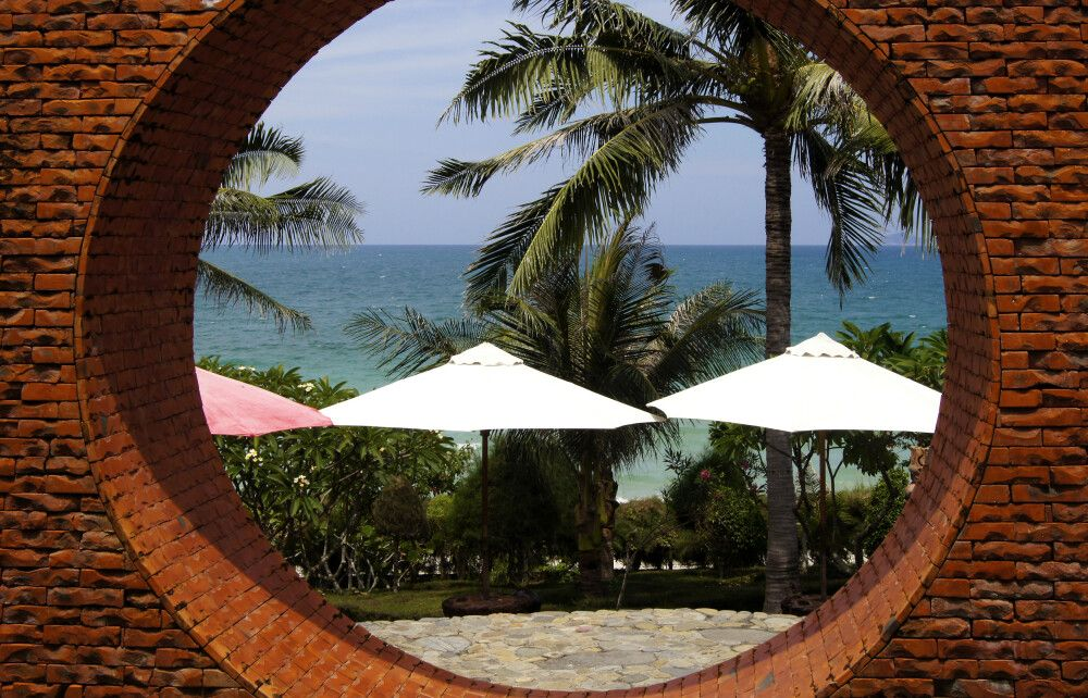 Some Days of Silence Resort – Blick aufs Meer
