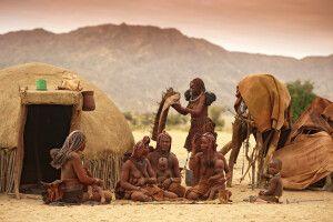 Himba-Dorf in der Wüste
