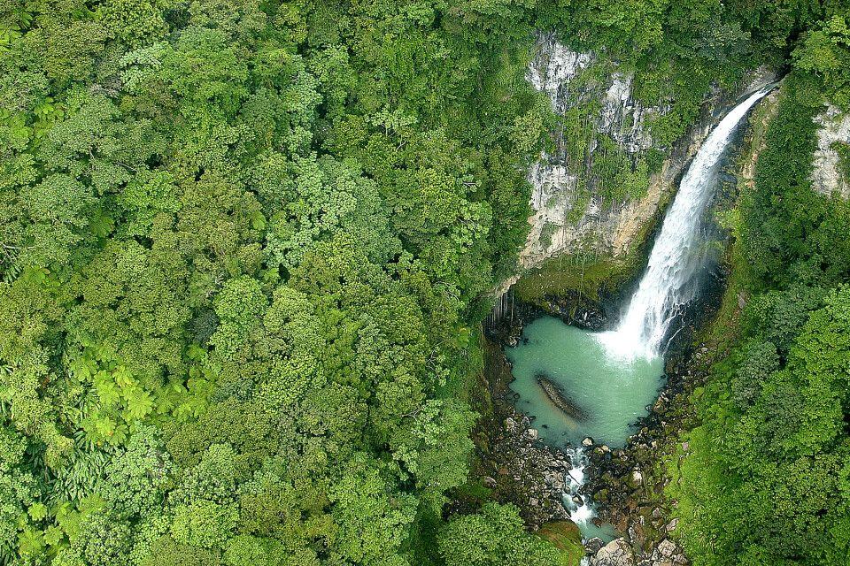 Wasserfall im Herzen Dominicas