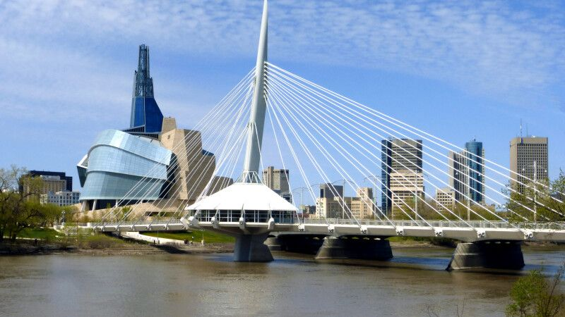 Museum of Human Rights & Riel Esplanade, Winnipeg © Diamir