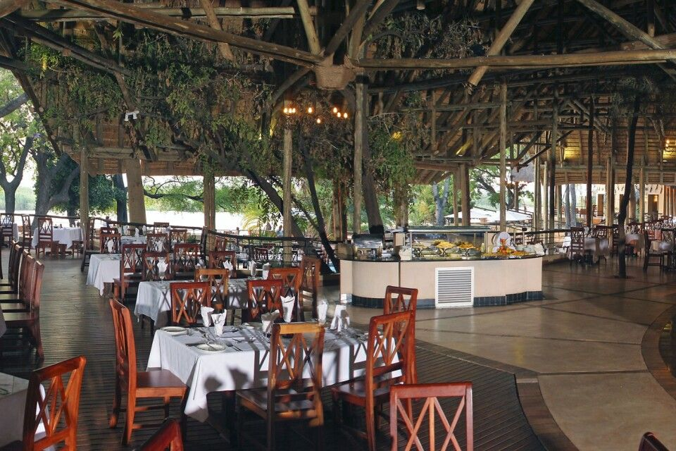 Chobe Safari Lodge: Restaurant