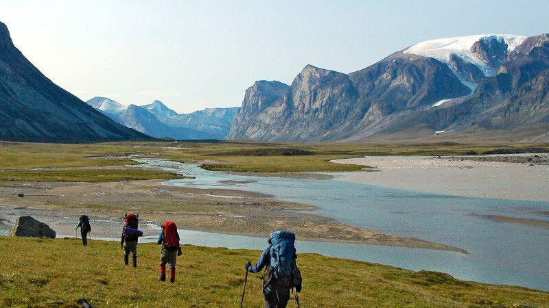 Wanderer im Auyuittuq National Park, Baffin Island © Diamir