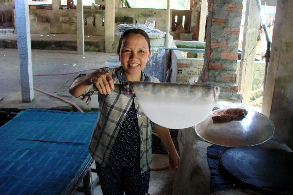 Reispapierherstellung im Mekongdelta