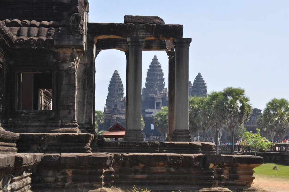 Blick auf den mächtigen Tempel von Angkor Wat