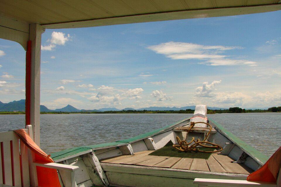 wunderschöne Bootsfahrten auf der gesamten Reise