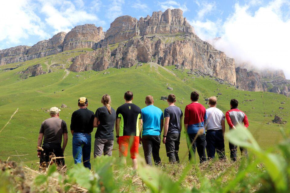 Gruppe am Pass zum Chegem-Tal
