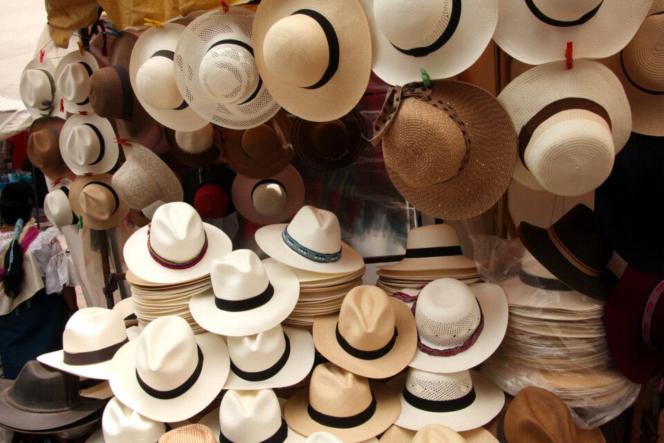 Die Panamahüte schützen vor der großen Sonneneinstrahlung