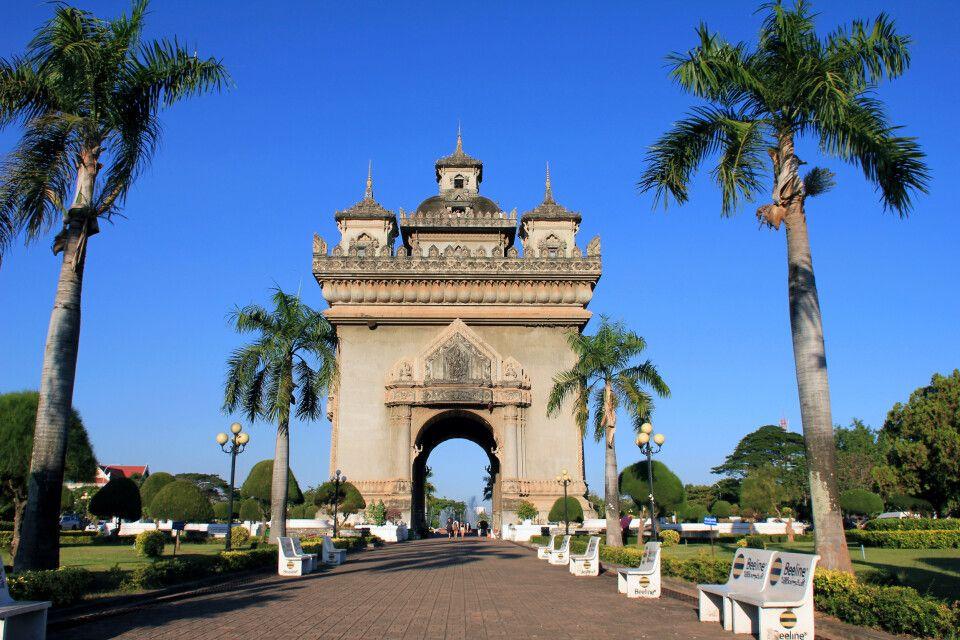 Der Patuxai in Vientiane – Triumphbogen und Denkmal