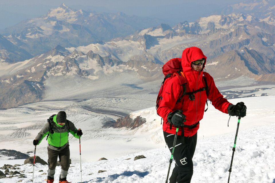 Aufstieg zu den Pastuchov-Felsen