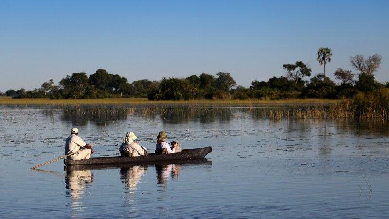 Unterwegs im Mokoro im Okavango-Delta © Diamir