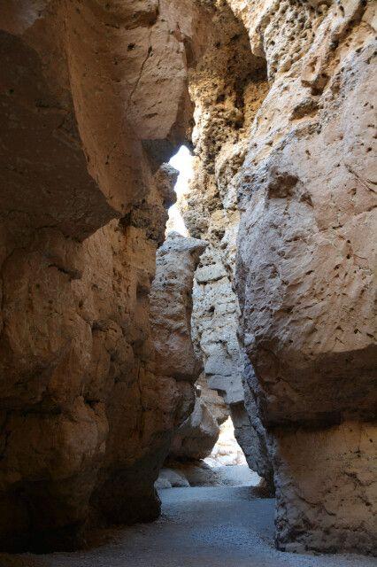Am Nachmittag genießen wir noch eine kleine Wanderung im schattigen Sesriem-Canyon.