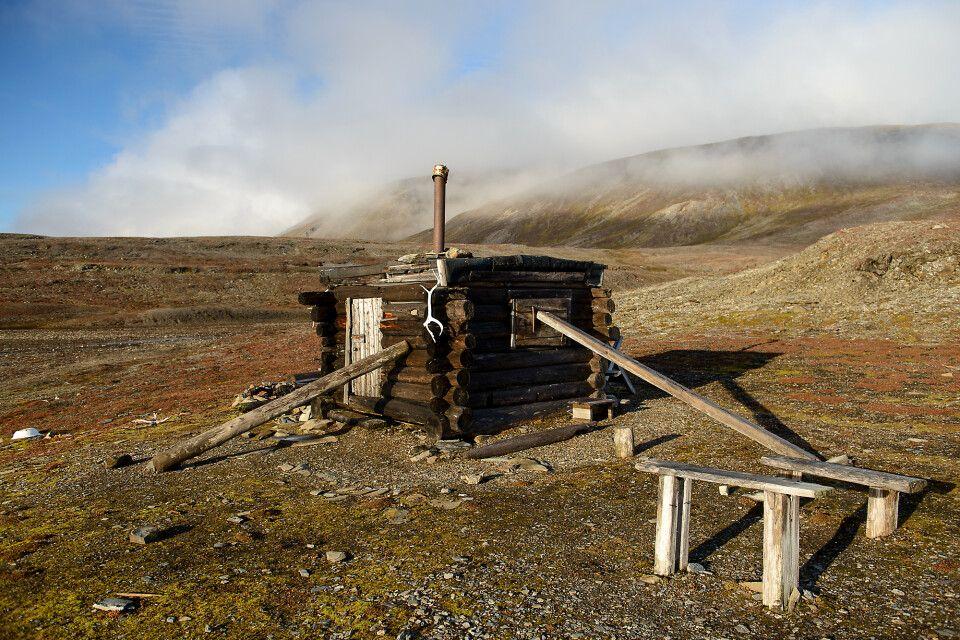 Die kleine Jagdhütte im St. Jonsfjord