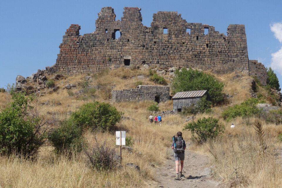 Amberd - Festungsruinen, ca. 6 km Vom Dorf Byurakan