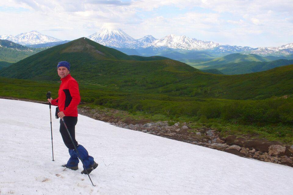 Überquerung von Schneefeldern im Juni