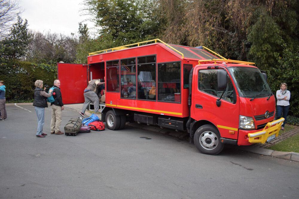 Reisefahrzeug: der rote Elefant