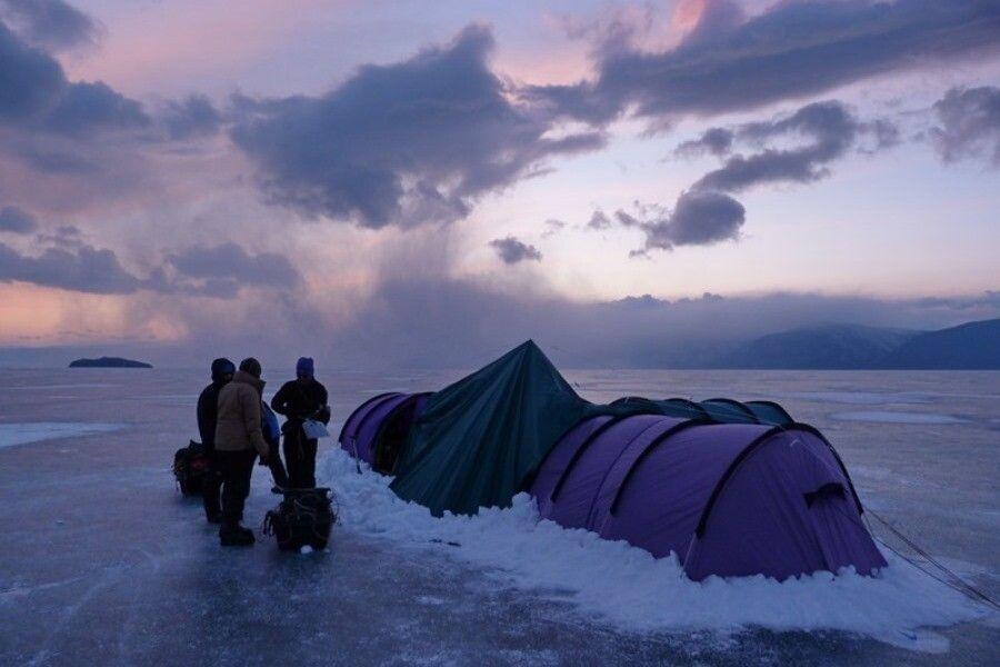 Zeltlager mitten auf dem See