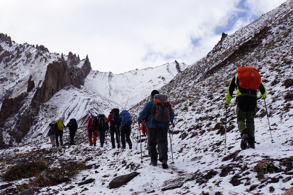 Aufstieg zum Stok-La 4875m) – unsere erste große Hürde ist geschafft
