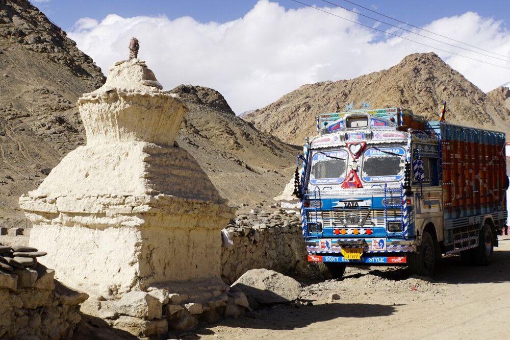 Giganten des Himalaya – eine etwas andere Trucker-Realität