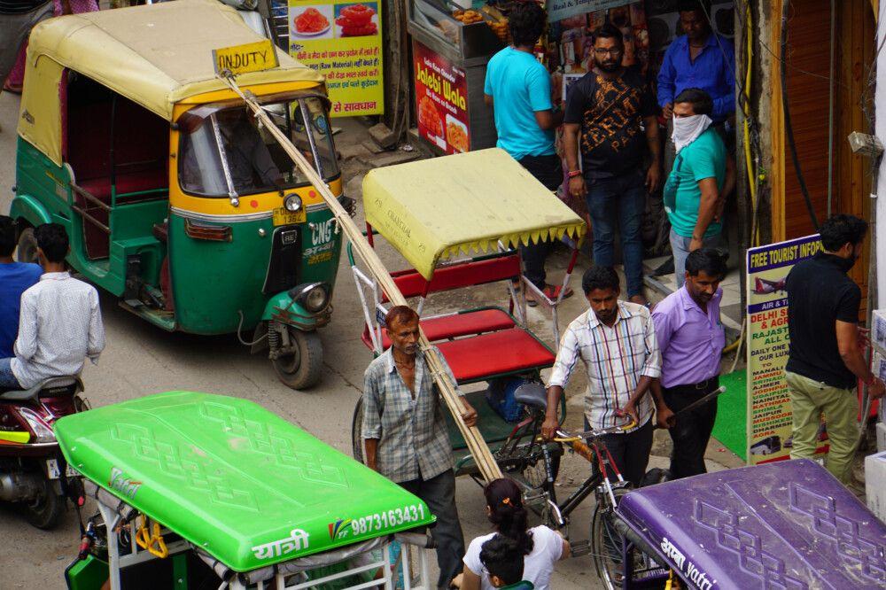 Treiben am Main Bazar im Delhi Backpackerviertel