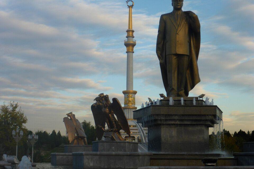 Vater der Turkmenen - Turkmenbashi