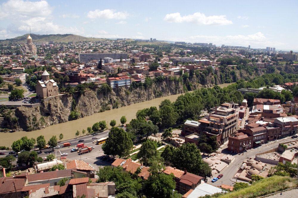 Tiflis mit Fluss Kura