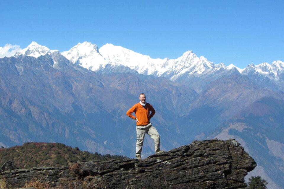 Panoramablick auf die weißen Gipfel