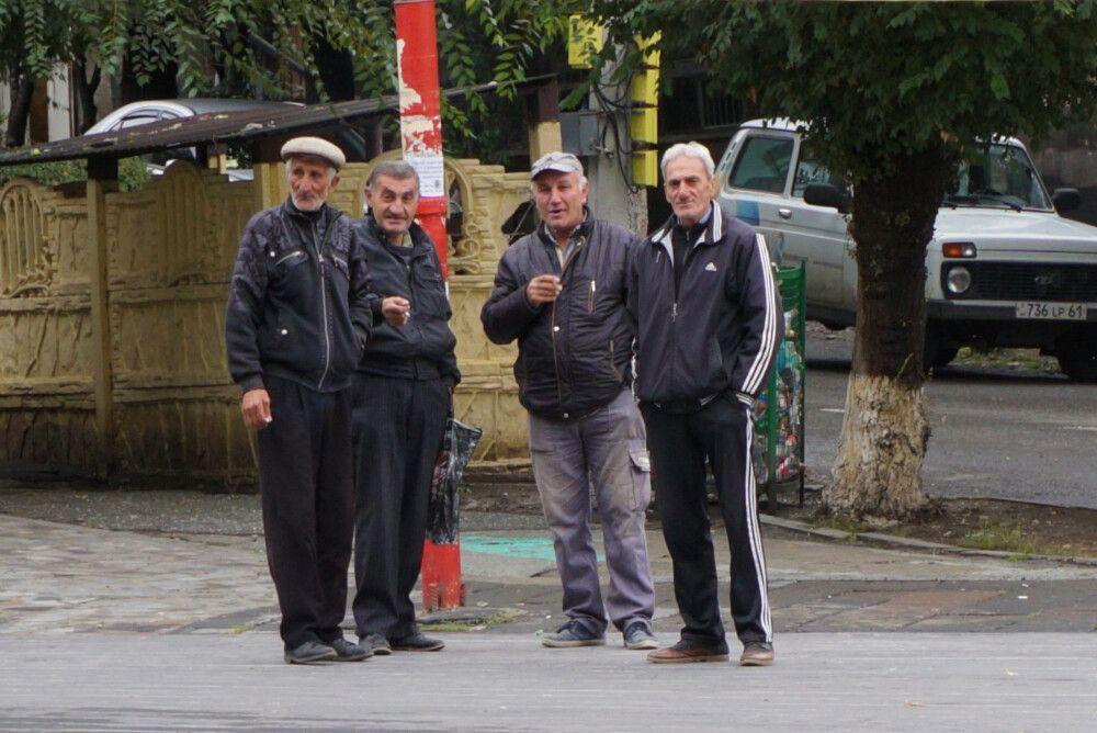 Männergruppe in Armenien